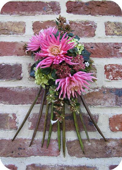 Allerheiligen bloemstuk, columbarium bloemstuk, columbarium, bloemstukjes, graf, bloemschikken