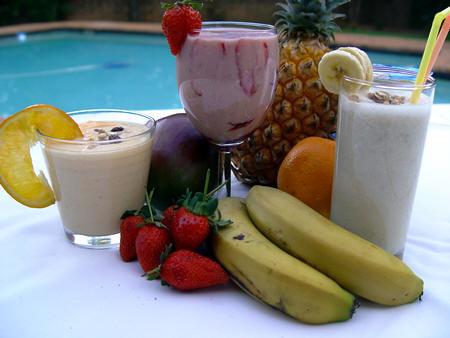 SMOOTHIES, aardbeien, drank, maken, fruit, blender, aardbeiensmoothie, soorten, alcoholvrije drank