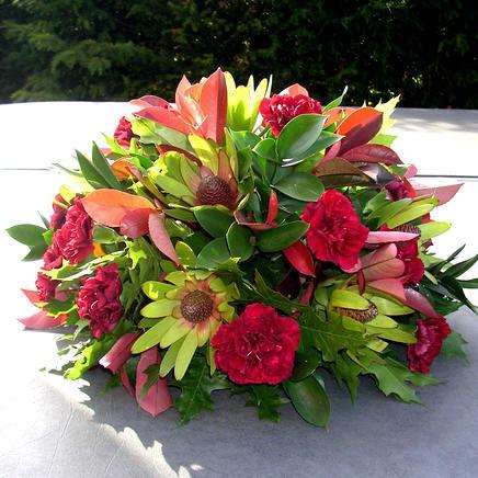 grafwerk, allerheiligen, maken, bloemstuk, bloemschikken, graf, bloemen, zerk, versieren, mooi maken