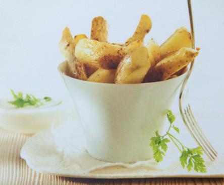 Aardappelpuree, wedges en dip, puree van aardappel, garnaalsaus, aardappelrecepten
