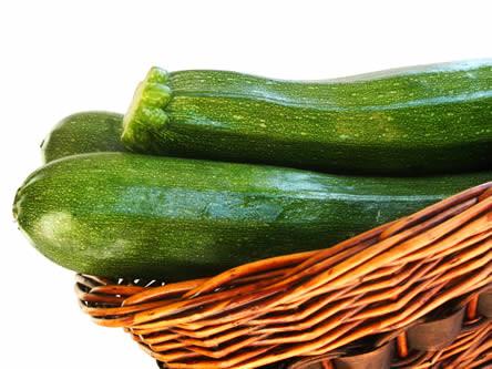 recpeten met courgettes, courgetterecepten, courgette bereiden, courgetten kweken, tips bij het kopen van courgettes