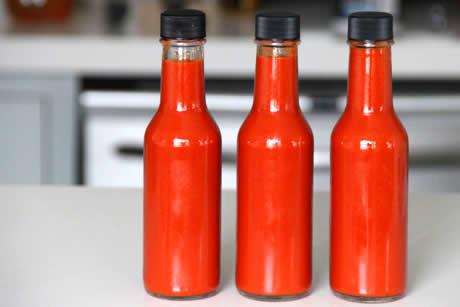 Zelf tabasco maken, pepersaus maken, recept van tabasco, het tabascorecept, geheim recept tabasco, hete paprika's, hete pepers saus
