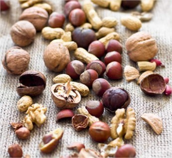 Begin je dag goed met een handvol noten, hazelnoten, walnoten, okkernoten, gezonde noten, voedingsstoffen van noten