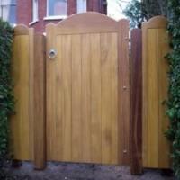 Tuinpoort in hout: soorten en materialen