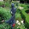 Tuinbeelden maken met textielverharder als mooie tuindecoratie voor de tuin