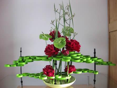 Afgewerkt bloemstuk: tafeldecoratie maken