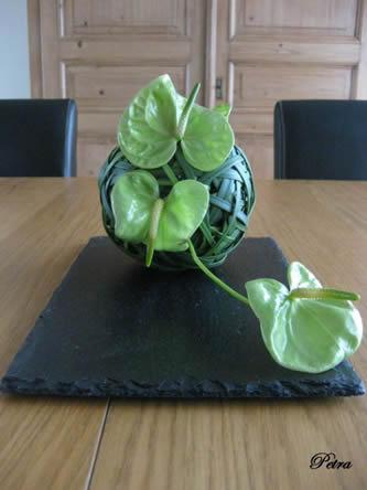 Bloemstuk met liliumgrassen