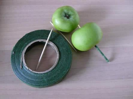 Bloemschikbenodigdheden voor een groene krans