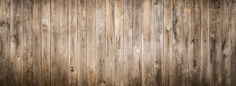 Kwasten in vergrijsd hout