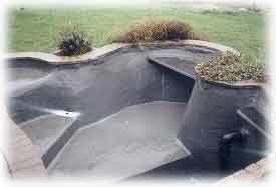Vijver aanleggen dichtingsmaterialen voor de aanleg van for Zelf vijver bouwen