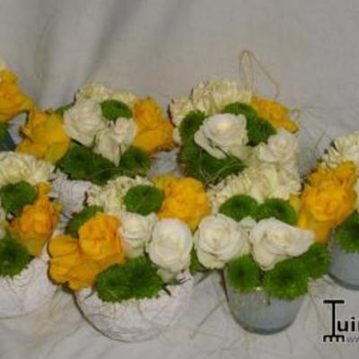 Kleine paasstukjes bloemschikken for Terrasvijver maken