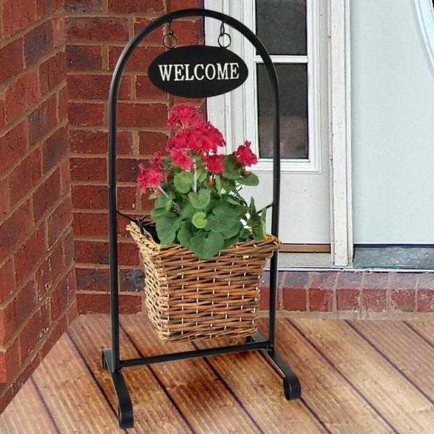 Bloemenmand met Welcome bordje