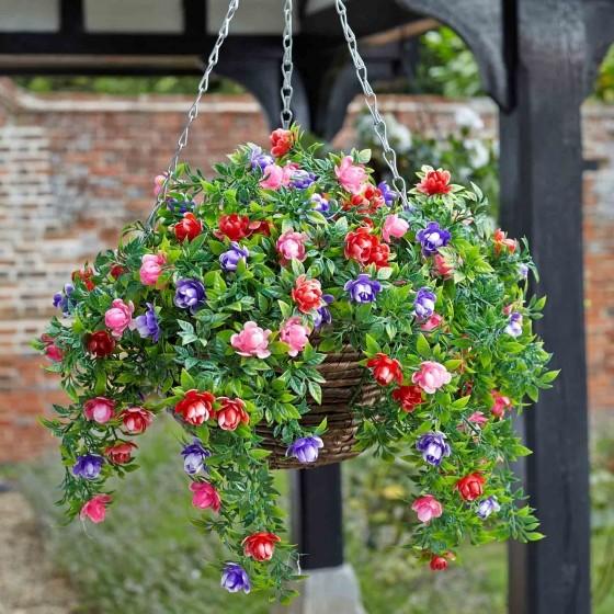 Hangmand met bloemenkunststof