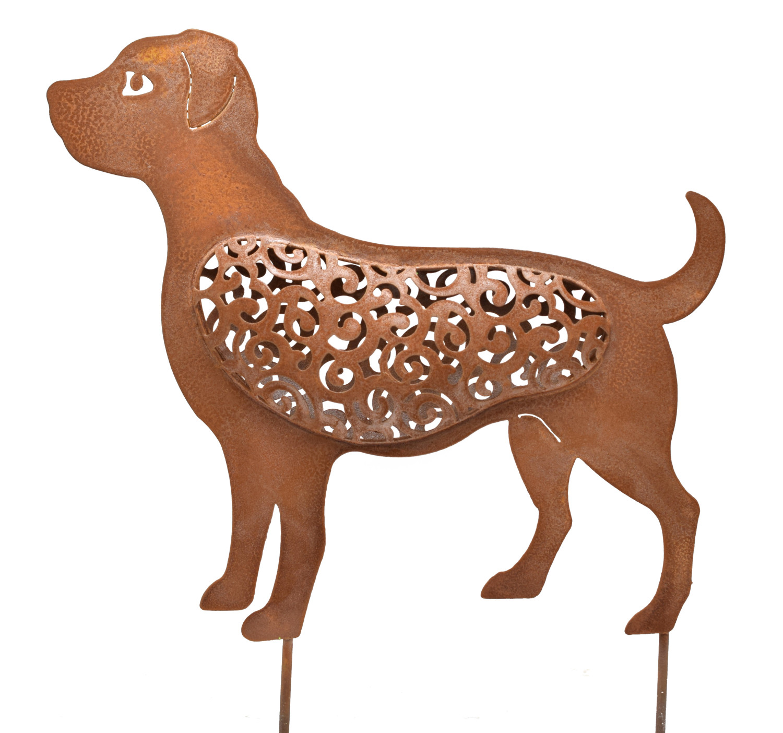 Hond op grondpin