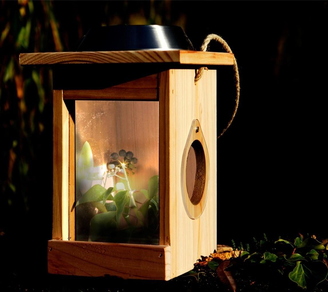 Huis voor insecten op zonneenergie