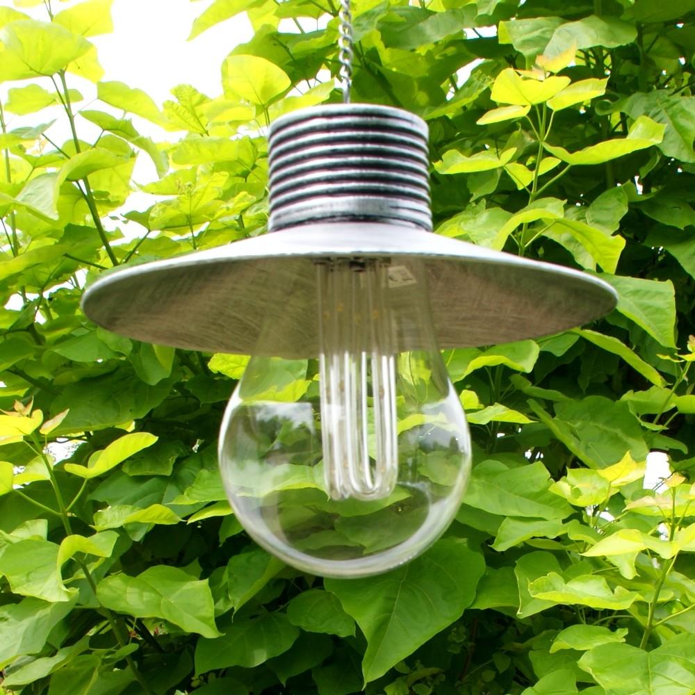 Lamp onder kap op zonneenergie
