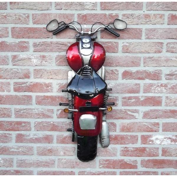 Motor als muurdecoratie