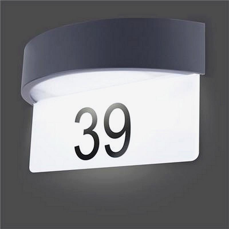 Muurlicht met huisnummer
