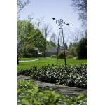 Obelisk met hemelbol