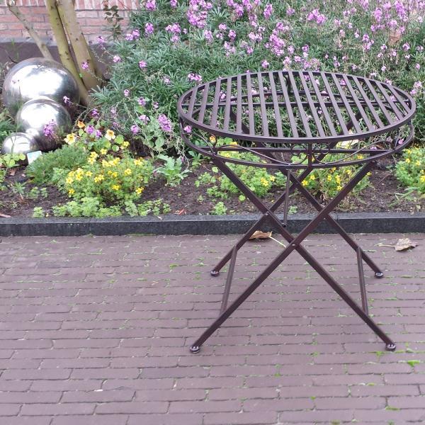Bistrotafel in rustiek metaal kopen rond terras tafeltje in metaal kopen for Terras decoratie