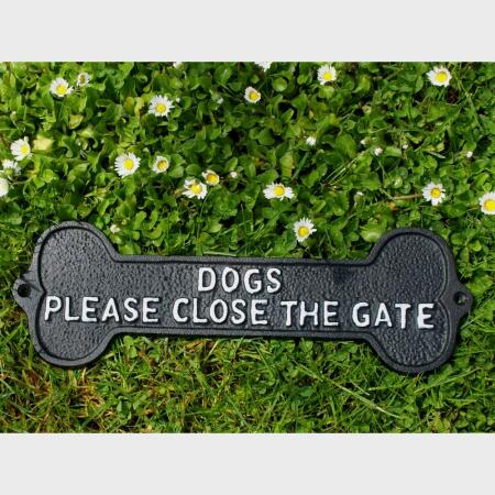 Dogs Please close the gate