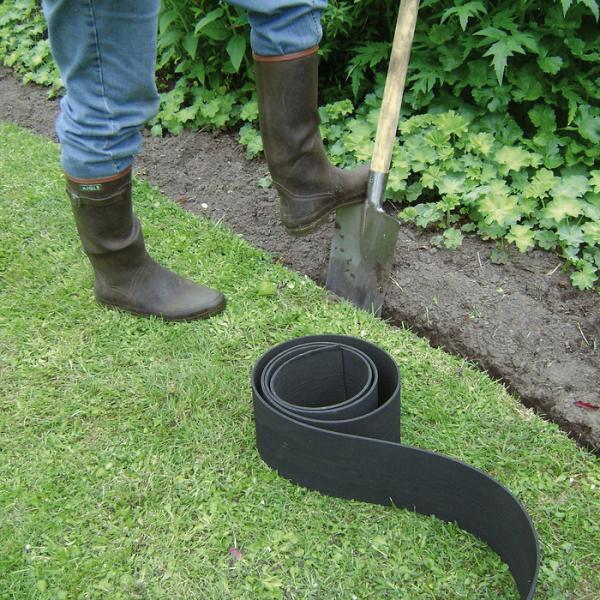 Tuinrand gazonrand of tuinboord van rubber goedkope tuinrand en makkelijk te plaatsen - Tuin landscaping fotos ...