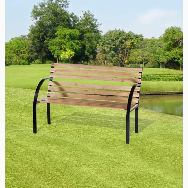 Houten tuinbank met metalen frame