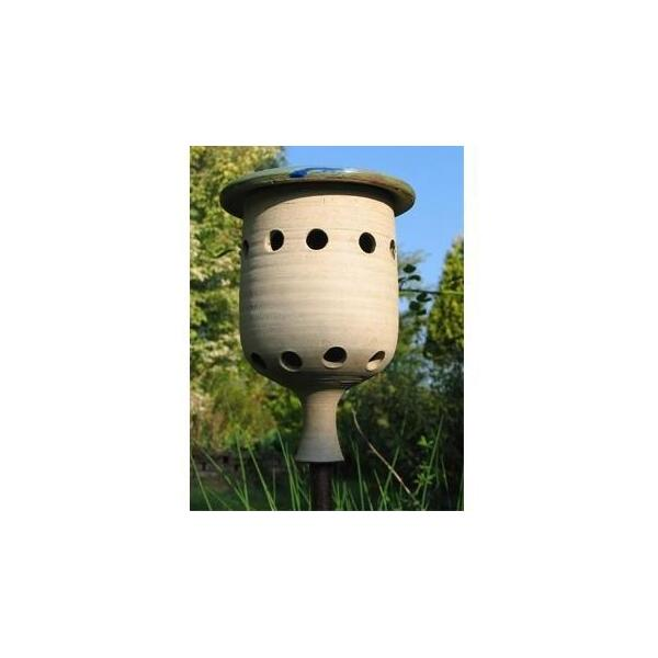 Lieveheersbeestjeshuis keramiek   huis voor lieveheersbeestjes die de bladluizen in de tuin