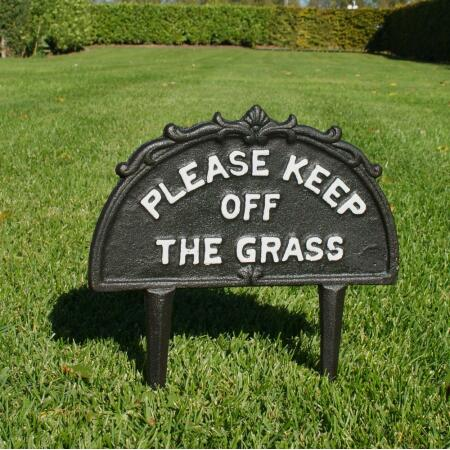 Please keep off the grass - tuinprikker