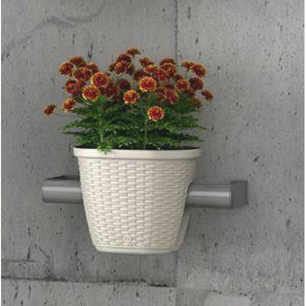 Balkon bloempot reling rotanlook bloempot voor over for Balkon bloembak