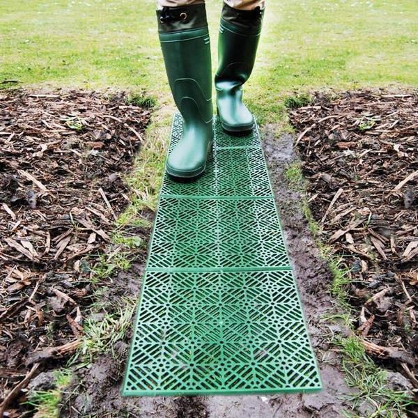 kunststof tuintegels kopen groene rastertegel voor in de tuin kopen tegels en paden. Black Bedroom Furniture Sets. Home Design Ideas