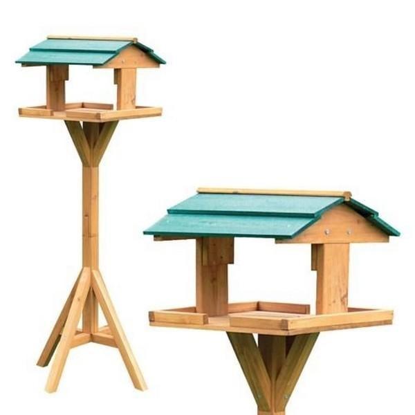 Traditionele houten voedertafel op voet
