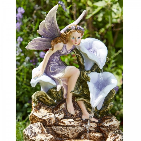 Waterval Liliana elfje met bloemen