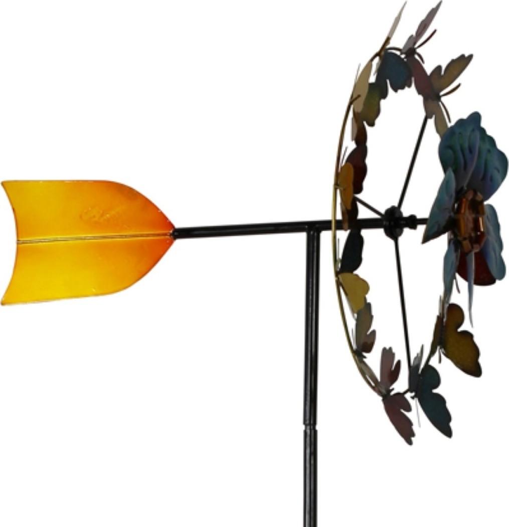 Windwijzerl vlinder en bloem